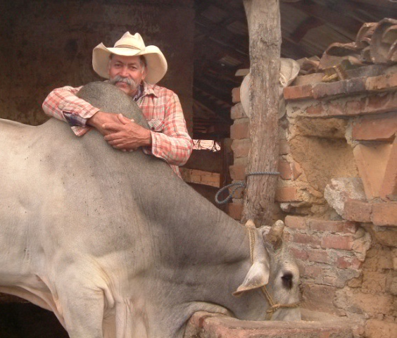 Talpa Raul with el toro orig size