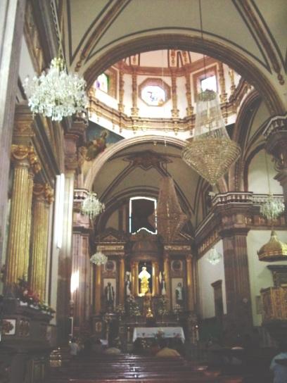 Talpa basilica inside
