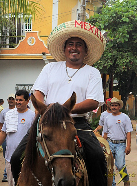 Adjusted_smiling caballero_sombrero_6524